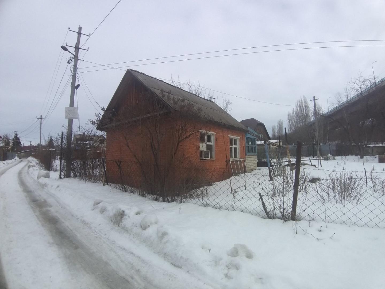 Город: Саратов, улица: Сиреневая,  2, площадь: 30 м2, участок: 7.8 соток