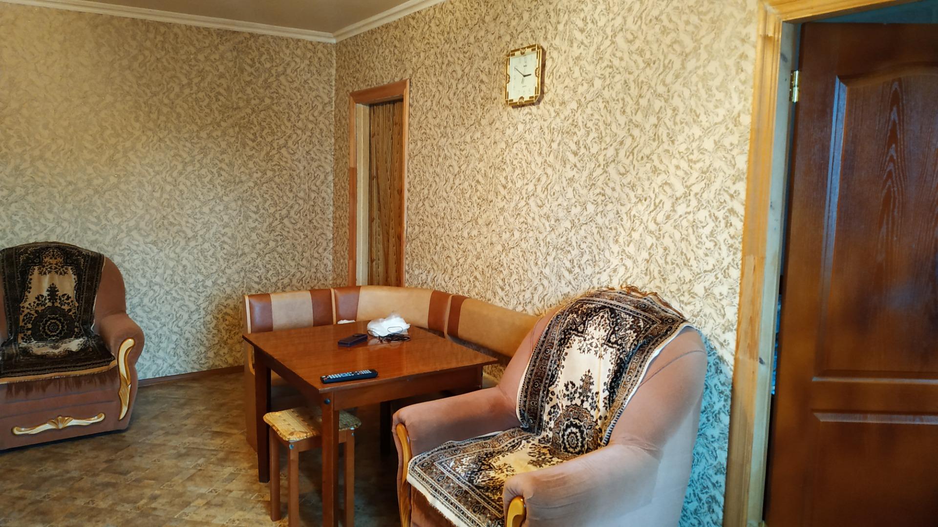 Продам 2-комнатную квартиру в городе Саратов, на улице тупик 3-й Кавказский,  5, 1-этаж 5-этажного кирпичный дома, площадь: 45.3/35/7 м2