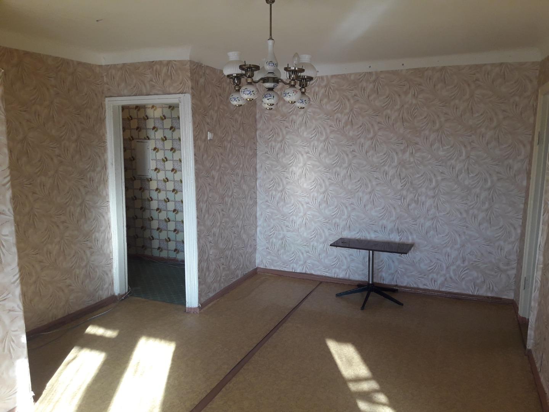 Продам 2-комнатную квартиру в городе Саратов, на улице Заречная,  31, 3-этаж 5-этажного кирпичный дома, площадь: 43.3/30/6.5 м2