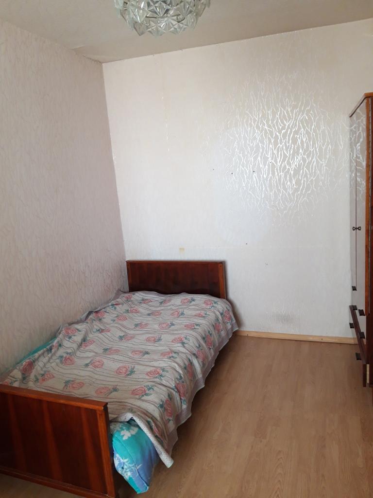 Продам 2-комнатную квартиру в городе Саратов, на улице проезд Волочаевский,  3, 9-этаж 9-этажного кирпичный дома, площадь: 42/30/7 м2