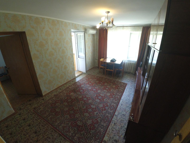 Продам 2-комнатную квартиру в городе Саратов, на улице Советская,  72/82, 4-этаж 9-этажного кирпичный дома, площадь: 40.29/27.5/6.1 м2