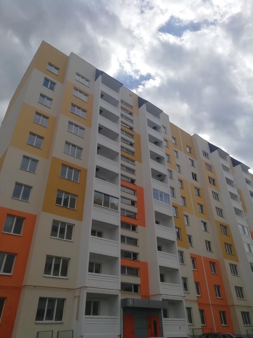 Продам 3-комнатную квартиру в городе Саратов, на улице  6, 5-этаж 10-этажного панельный дома, площадь: 90.1/45.4/15.5 м2