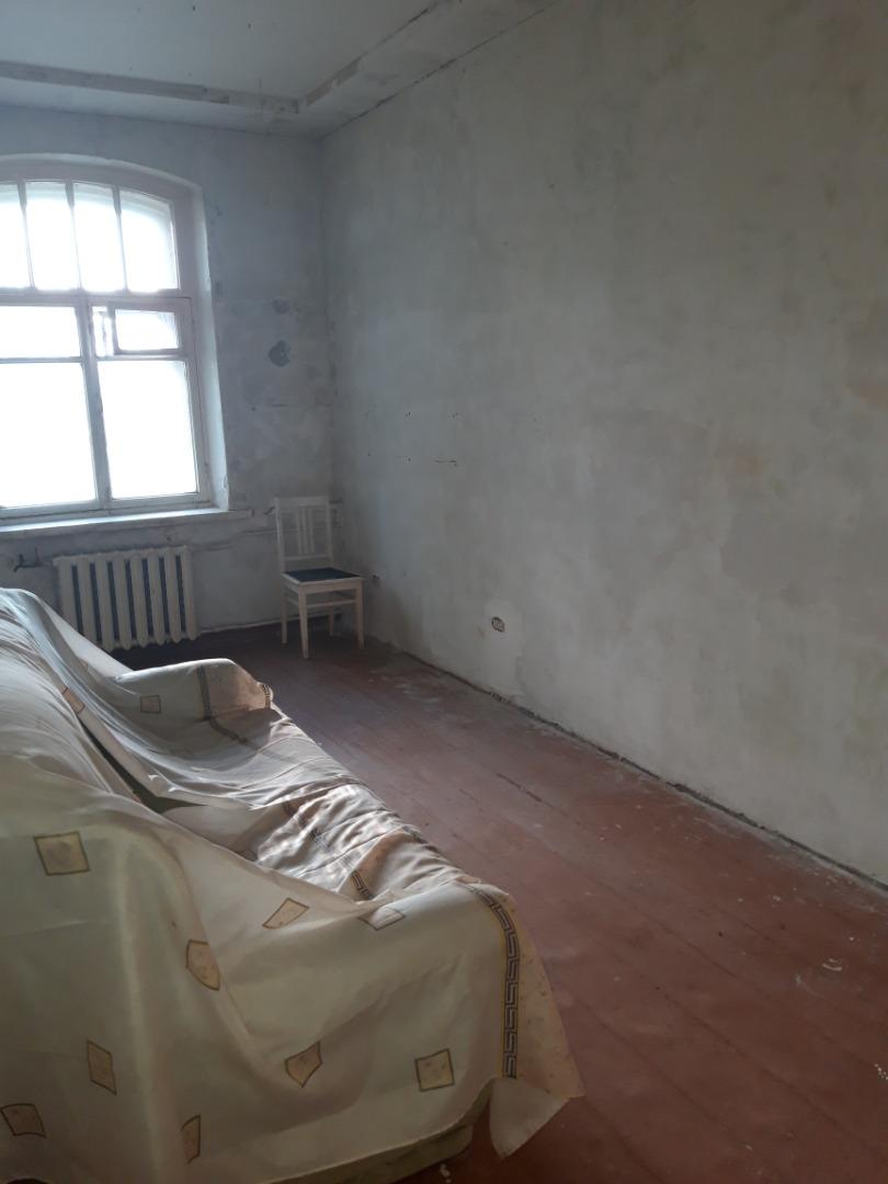 Продам 2-комнатную квартиру в городе Саратов, на улице Артиллерийская,  9, 2-этаж 3-этажного кирпичный дома, площадь: 48/30/8 м2