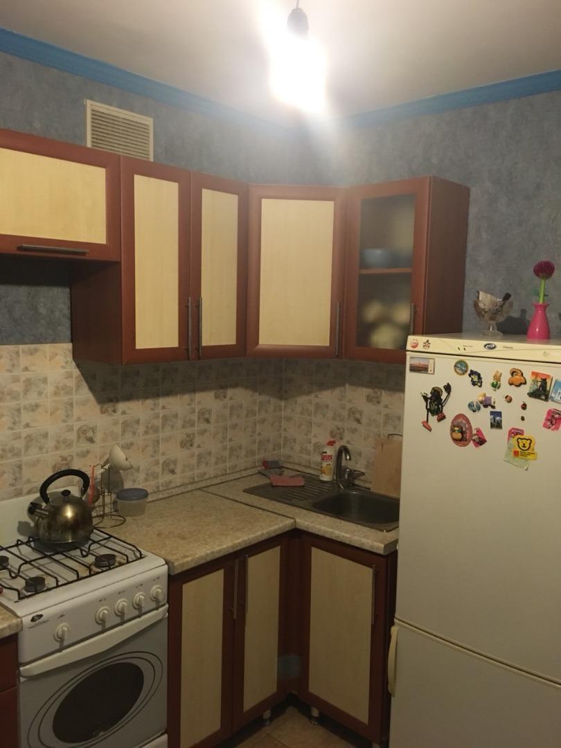 Продам 2-комнатную квартиру в городе Саратов, на улице П.Ф. Батавина,  9а, 6-этаж 10-этажного кирпичный дома, площадь: 51/25/8 м2