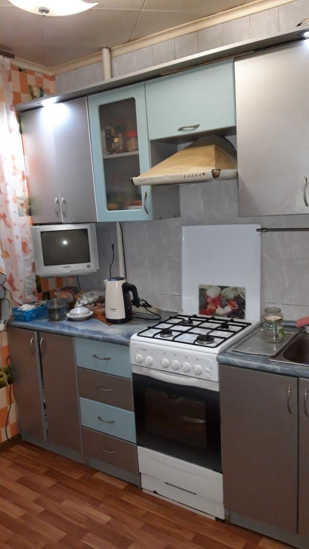 Продам 3-комнатную квартиру в городе Саратов, на улице проспект Строителей,  44/1, 3-этаж 5-этажного панельный дома, площадь: 58/40/5.5 м2