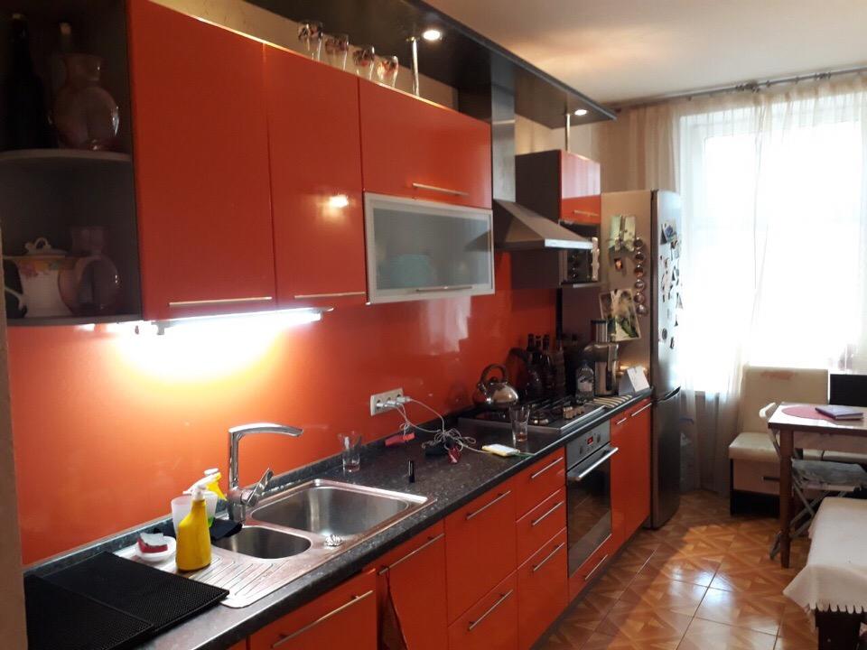Продам 2-комнатную квартиру в городе Саратов, на улице им Гоголя Н.В.,  24, 1-этаж 2-этажного кирпичный дома, площадь: 60/40/12 м2