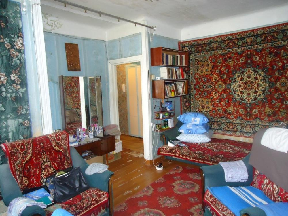 Продам 2-комнатную квартиру в городе Саратов, на улице Танкистов,  86, 5-этаж 5-этажного кирпичный дома, площадь: 44/0/6 м2
